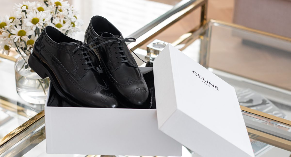 CELINE Academy Derby met Broque Details | As Seen by Alex